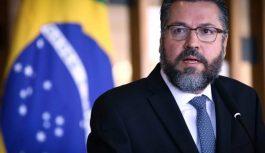 """Chanceler Ernesto Araújo afirma que nazismo """"é de esquerda"""""""