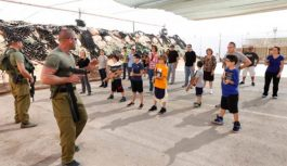 Por que tiroteios em escolas são raros em Israel, país onde há armas em todos  lugares