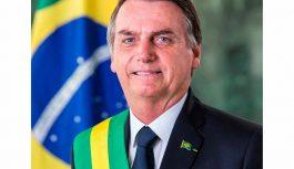 Bolsonaro quer sua foto pendurada na parede de todo Judiciário